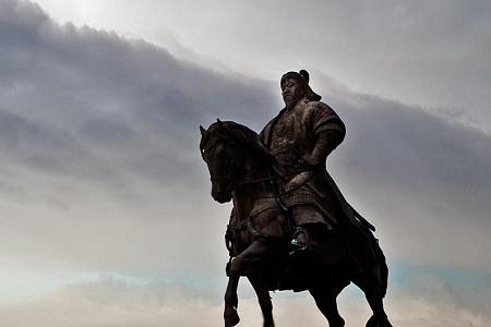 成吉思汗和秦始皇谁厉害