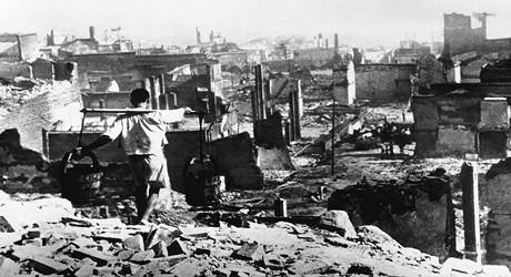 重庆大轰炸死了多少人