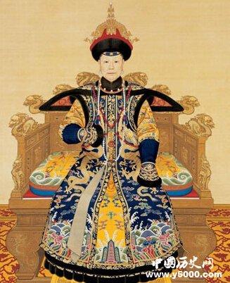 于十一月初三日将金发塔安放于寿康宫东