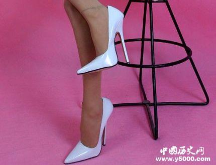 高跟鞋的由来历史_高跟鞋的寓意象征