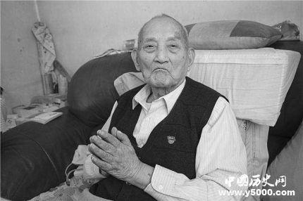 白酒泰斗秦含章逝世 享年112岁