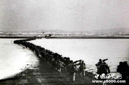 朝鲜战争麦克阿瑟欲轰炸东北_麦克阿瑟朝鲜战争叫板中国_麦克阿瑟在朝鲜战争中为何要轰炸中国东北_中国历史网