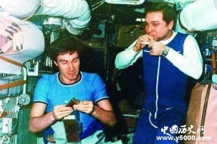 在太空呆最久的人_在太空待最長時間的人_在太空停留時間最長的人