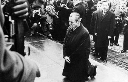 华沙之跪的意义和历史影响